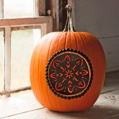 This stylish pumpkin is easy to make, but your guests don't need to know that! Click through to download the free stencil.