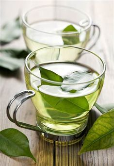 Tea Cleanse: The Best Tea Detox Recipes For Health And Wellness (detox tea, tea recipes, detox cleanse, best detox tea, detox tea cleanse) Health And Wellness, Health Tips, Green Tea Benefits, Skinny Mom, Skinny Meals, Skinny Recipes, Heart Healthy Recipes, Healthy Foods, Healthy Detox