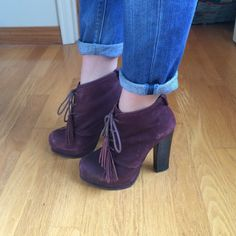 Lace up Wine platform boots These burgundy suede Steve Madden platform booties have great tassle shoelaces. Light wear on sole and some scuffing. Great fall boot for casual wear or going out. Steve Madden Shoes Lace Up Boots
