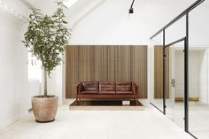 Fredericia opens new rooftop showroom in Copenhagen - Nordic Design Danish Furniture, Furniture Showroom, Contemporary Furniture, Wood Interior Design, Exterior Design, Furniture Design, Interior Styling, Minimal Design, Modern Design