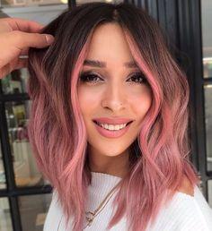 Rose Gold Short Hair, Gold Blonde Hair, Pink Ombre Hair, Brown Ombre Hair, Hair Color Pink, Hair Dye Colors, Cool Hair Color, Curly Pink Hair, Brown And Pink Hair