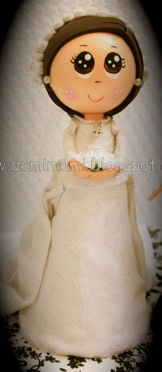 Fofucha con vestido de novia en Goma EVA.
