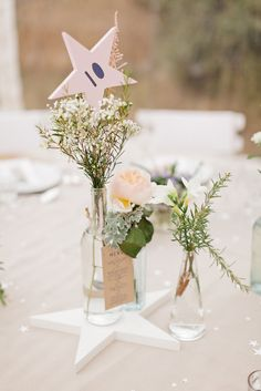 STAR table number / Flowers: Laetitia C - Le Grand Banc Provence Wedding by Xavier Navarro Photographie Banquet Centerpieces, Simple Wedding Centerpieces, Wedding Table Decorations, Flower Centerpieces, Elegant Wedding, Diy Wedding, Wedding Photos, Wedding Day, Wedding Hacks