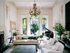 A shining example of luxury interior design by Rose Uniacke. Pimlico House experienced a total renovation and is now one of the 'loveliest houses in London'. Contact our Pimlico interior design team today for more information. London Townhouse, London House, Home Design, Design Salon, Modern Design, Design Design, Vogue Living, Living Room Designs, Living Room Decor