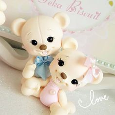 Polymer Clay Animals, Polymer Clay Dolls, Polymer Clay Crafts, Cake Topper Tutorial, Fondant Tutorial, Cake Toppers, Baby Girl Cookies, Clay Bear, Art For Kids