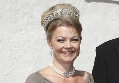 Denmark's Noble Families also have some very impressive tiaras, this particularly intricate one worn by Countess Mette of Ahledfeldt-Laurvig