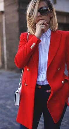 a red blazer is one of the hottest fashion trends of spring 2018 so go get it and pair with some shirt and simple jeans to achieve the office look