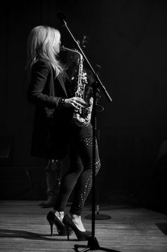 Candy Dulfer | Candy Dulfer performing at LUXOR Arnhem | Kin-Lun Ho | Flickr Jazz Artists, Jazz Musicians, Musician Photography, Saxophone Players, Contemporary Jazz, Trumpet Players, All That Jazz, Music School, Brazil