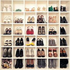 meuble range chaussures à casierc blancs
