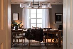 Skandinavischer Stil trifft englisches Land: Jagdschloss Killiehuntly in Schottland Fotos Ideen Design Cottages Scotland, English Interior, Nordic Home, Restaurant, Farmhouse Furniture, Danish Design, Beautiful Interiors, Cozy House, Interior And Exterior