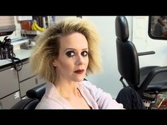 She once had two heads, why not two shows? See how Sarah Paulson juggled her roles on the upcoming series, The People vs. Simpson: American Crime Story FX and American Horror Story: Hotel. American Horror Stories, American Crime Story, People Vs Oj Simpson, The People Vs Oj, Upcoming Series, Weird Gif, Darren Criss, Ahs, Lgbt