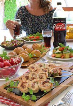 Grillowane ślimaki (zawijaski) z kurczaka, cukinii i szynki z suszonymi pomidorami Grill Party, Poultry, Love Food, Grilling, Food And Drink, Lose Weight, Cheese, Chicken, Cooking