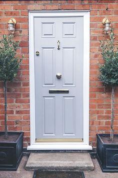 14 Front Door Colors to Boost Your Curb Appeal Front Door Paint Colors, Painted Front Doors, Front Door Design, Front Door Decor, Front Door Planters, Wall Colors, Dark Grey Front Door, Victorian Front Doors, Vintage Doors