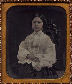 1/6 Plate Daguerreotype of young lady by Albert Bisbee Ohio
