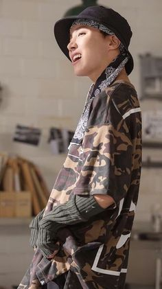 BTS's Jhope or Bangtan Sonyeondan's Jung Hoseok is known for his amazing charisma when he dance. Jimin, Jhope, Namjoon, Taehyung, Bts Bangtan Boy, Bts Boys, Gwangju, Jung Hoseok, Kelly Rowland