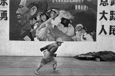 Marc Riboud - Docker à Shanghai, 1965