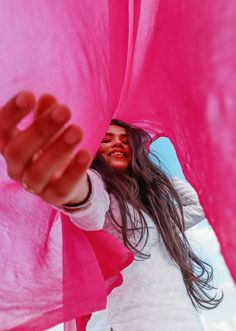 Portrait Photography Poses, Amazing Photography, Cute Girl Pic, Cute Girls, Teenage Girl Photography, Photos Tumblr, Pakistani Dresses, Photo Book, Photo Ideas