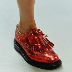 Giles-naranja-óptica-zapatos-oxford-2015-Primavera-London-Fashion-Week.jpg (640×644)