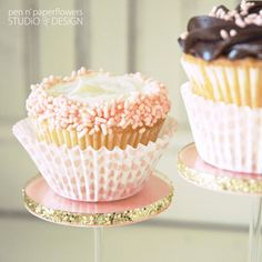 gorgeous cupcakes on the pastry pedestal by @Pen N' Paperflowers