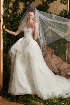 (Foto 2 de 15) La colección de novias más original de Carolina Herrera | HISPABODAS