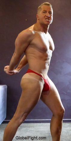 Galeries de bodybuilder gay
