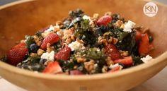 Quinoa salade met boerenkool en aardbeien - Culy.nl