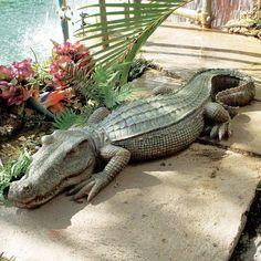 CROCODILE GARDEN STATUE Sculpture Ornament Patio Lawn Outdoor Pond Realistic