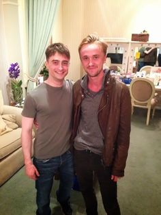 Daniel Radcliffe (Harry Potter) & Tom Felton (Draco Malfoy) reunite!!