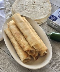 Cream Cheese Jalapeno Taquitos are fast and easy to make! Vegetarian Recipes Easy, Vegetarian Cheese, Garlic Chicken Wings, Chicken Taquitos, Game Day Food, Hot Dog Buns, Food Print, Appetizers, Snacks