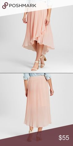 NWT Notations pleated tulip skirt Hello, Carrie Bradshaw! This skirt is gorgeous but I just don't have any occasion to wear it. The color is a blush pink. Notations Skirts Midi
