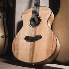 Breedlove Oregon Concert 12-string E Acoustic Electric Guitar Myrtlewood Case To Make One Feel At Ease And Energetic