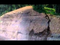 Massive Rockfall During Road Construction [SaveYouTube.com].mp4
