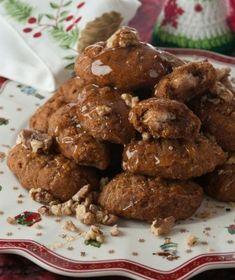 Μελομακάρονα Greek Sweets, Greek Desserts, Cookie Desserts, Greek Recipes, Fun Desserts, Dessert Recipes, Christmas Tea Party, Christmas Baking, Greek Christmas