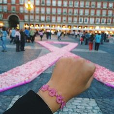 Cruciani Pink Knot against breast cancer
