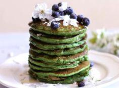 Chia semínka jsou aktuálním hitem ve zdravé výživě. Drobná semínka pocházejí z Jižní Ameriky, jsou to vlastně semena šalvěje hispánské. Avocado Toast, Quinoa, Pancakes, Healthy Recipes, Fresh, Breakfast, Food, Diet, Breakfast Cafe