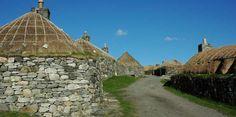 Outer Hebrides Accommodation - Hebridean Holiday Cottages, Gearrannan Blackhouse Village