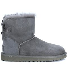 UGG Boots (3,165 MXN) ❤ liked on Polyvore featuring shoes, boots, ankle booties, uggs, grigio, bow back boots, grey boots, grey suede bootie, grey suede booties and grey booties