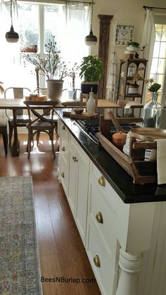 White decor, white and gold ,vintage, industrial  ,home decor ,home rennovation, rustic ,farmhouse, french, kitchen, country