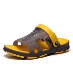 Mannen sandalen 2018 nieuwe zomer stijl mannen strand schoenen holle slippers gat ademende flip flops antislip sandalen mannen klompen buiten Open Toe, Spring, Slippers, Style Inspiration, Sandals, Fashion Design, Shoes, Color, Flip Flops