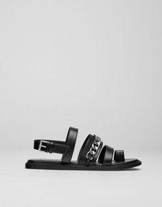 :Chain sandals