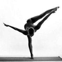 Nude Yoga Girl 2