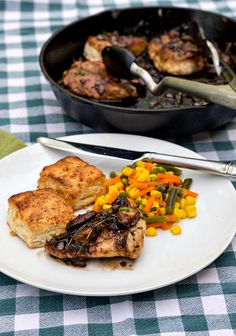 This chicken with mushrooms and thyme recipe is not only delicious, but like all the recipes from Eat Right for Your Sight, it's also good for your eyes. Check out Eat Right for Your Site and cook to feed your body and take care of your eyes. | pastrychefonline.com