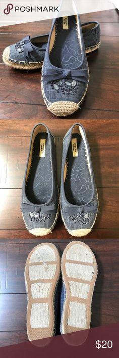 Simply Vera-Vera Wang Jean Espadrilles Simply Vera-Vera Wang Jean Espadrilles! Stylish and comfy flats perfect for summertime! Simply Vera Vera Wang Shoes Espadrilles