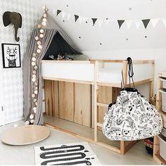 Wir lieben den Stil und die Farbstimmung die die liebe Ilona von @3elfenkinder mit ihren Bildern transportiert! Vielen lieben Dank Ilona!  #goodmoods #kinderzimmer #lebenmitkindern #playandgo #lichterkette #stringlights #elephant #kids #kidsinterior #kind #wobbelboard #yay #hygge #mood #cosy #gemütlich #home #zuhause #iic #2018 #teppich