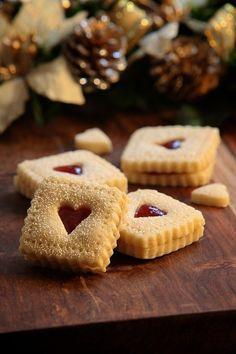 Ana Rosa - Christmas More … Christmas Tea, Christmas Cookies, Holiday, Autumn Tea, Old Fashioned Christmas, Cupcake Cookies, Heart Cookies, Jelly Cookies, Cookie Decorating
