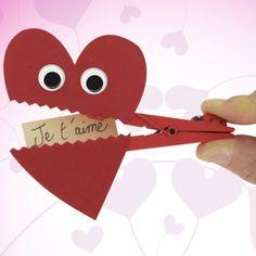 Activité Saint-Valentin et bricolage facile - Maman Locaaa Valentine Crafts For Kids, Valentines Day Activities, Homemade Valentines, Valentine Decorations, Diy Valentine, Minions Diy, Saint Valentine, Celebration Quotes, Valentine's Day Diy