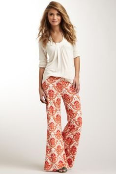 Paisley Palazzo Pants... Would look great with a white short sleeve vneck or tank....hair in a bun....long necklace and flip flops