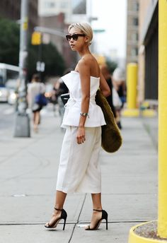I pant culottes sono un pezzo che nell'armadio non deve mancare.  -cosmopolitan.it