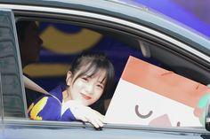 South Korean Girls, Korean Girl Groups, Divas, Ji Soo, Blackpink Jisoo, Yg Entertainment, Kpop Girls, Polaroid Film, Entertaining