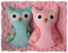 GG Designs Embroidery - Ollie Owl toy softie (in the hoop) (Powered by CubeCart) Applique Embroidery Designs, Free Machine Embroidery Designs, Embroidery Fonts, Handmade Baby Items, Handmade Soft Toys, Handmade Pillows, Baby Sewing Projects, Sewing Crafts, Softies